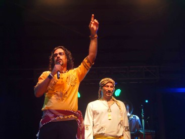 Mohsen Sharifian and The Lian Band