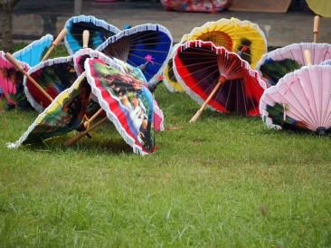 Festival degli Ombrelli e dell'Artigianato di Bor Sang e Sankampaeng