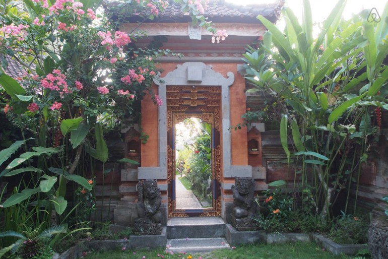 The entrance at Lodtunduh Sari Villas