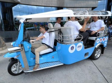 Dalla Thailandia alla Francia nel primo eco-friendly tuk-tuk
