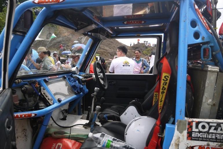 Inside the car4x4