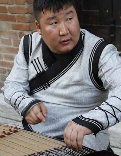 Sedaa member playing the Zheng