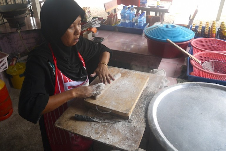 The making process of keropok lekor