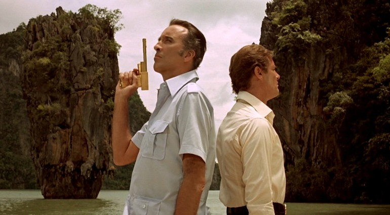 James Bond and Koh Tapu on the back