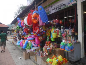 Souvenirs shops at Teluk Cempedak