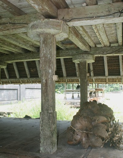 Storage area under a lumbung