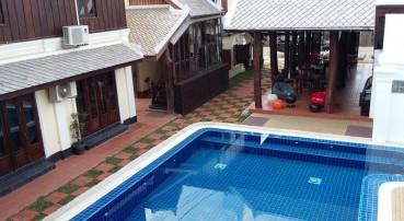 Le Vang Bua Villa
