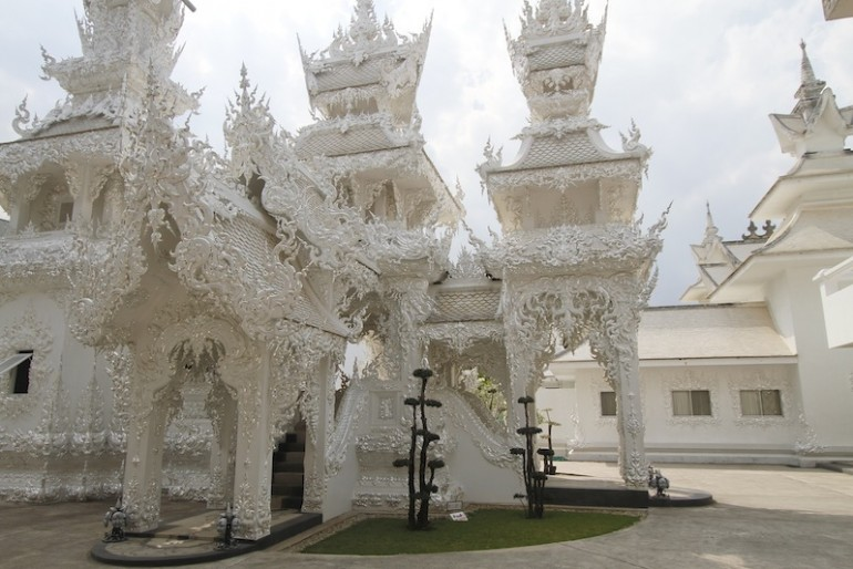 Wat Rong Khun amazing structures
