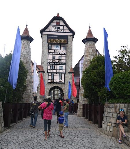 Bukit Tinggi Bentong main entrance