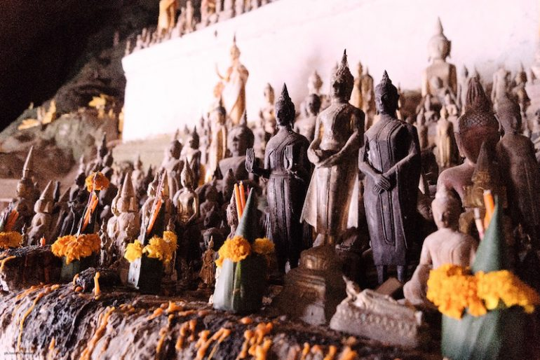 Buddhas inside the upper cave