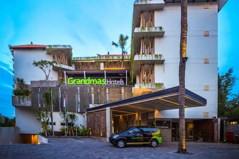 GrandMas Hotel airport