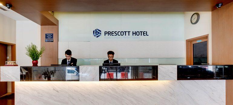 Prescott hotel reception