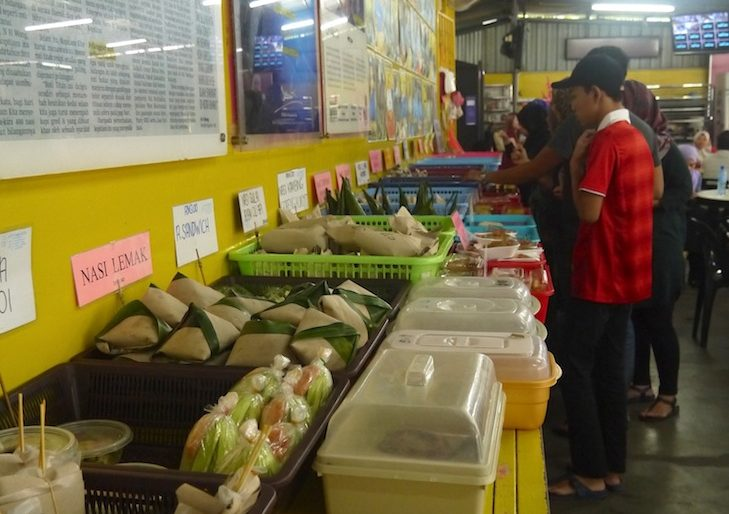 Kopitam Cafe, people line up to choose their food