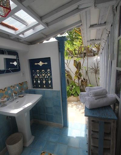A magnificent bathroom, indoor and outdoor