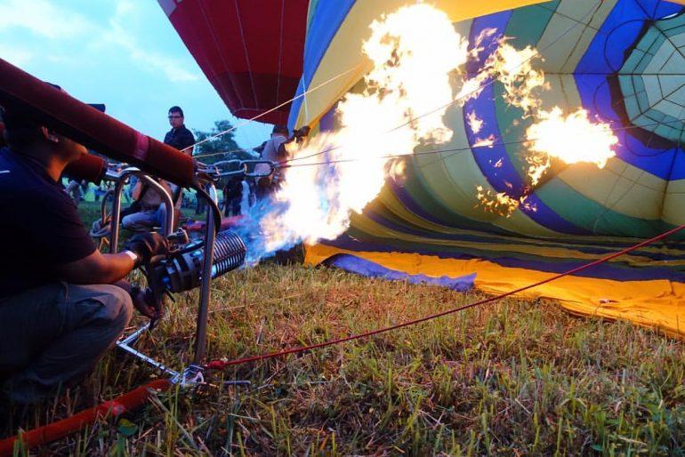 Firing the balloons