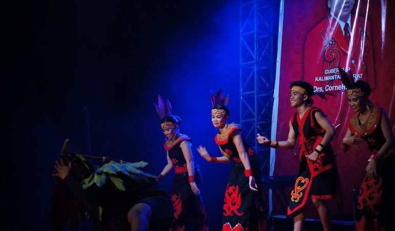 Gawai dances
