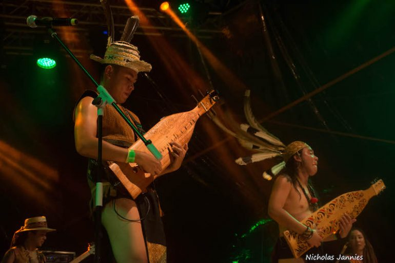 Rhythm and dance for At Adau