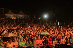 Amazing crowd at 2017 Rainforest World Music Festival