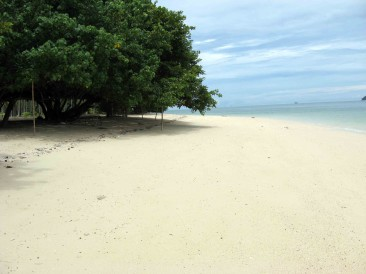 Rang Yai Island – Serious seclusion in private paradise
