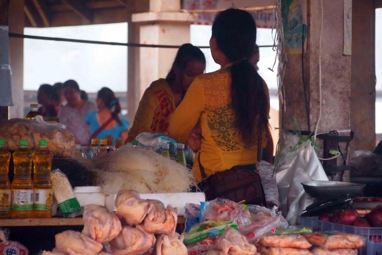 Un mercato locale laotiano