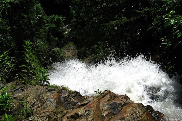 Huay to waterfall roars
