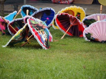 Bor Sang Umbrella and Sankampaeng Handicraft Festival