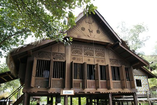 reconstruction of a traditional Malay house