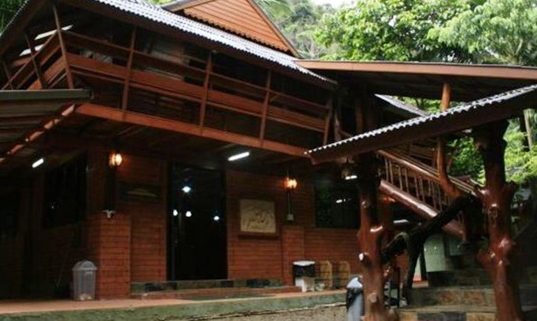 The bungalows at Raipreeda Homestay