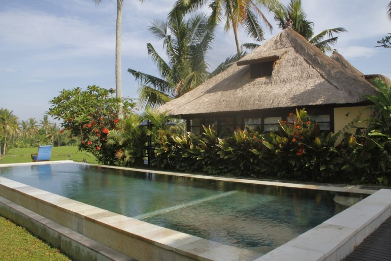 The pool at Lodtunduh Sari Villas