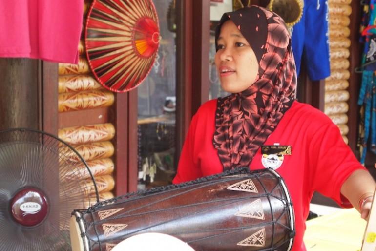 Local handicraft DIGITAL CAMERA
