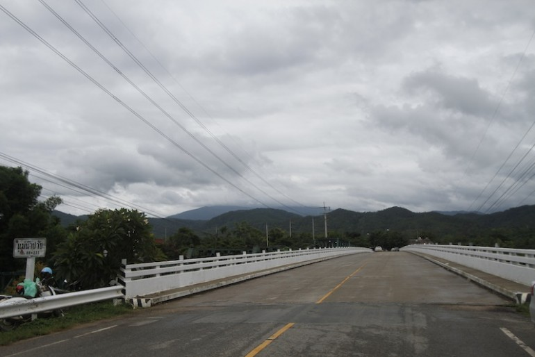 Concrete highway road alongside Pai memorial bridge
