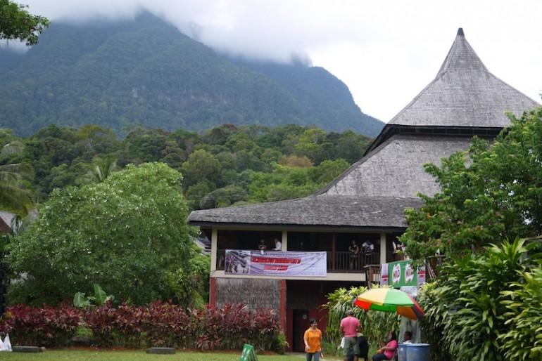SCV below Mount Santubong