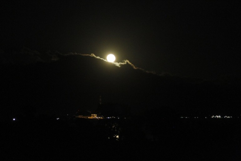 The moon disappearing at 5am
