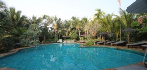Laluna Hotel and Resort swimming pool