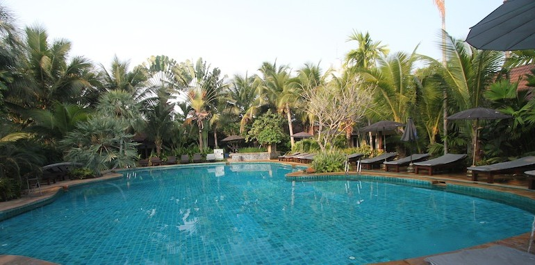 Laluna Hotel and Resort swimming pool