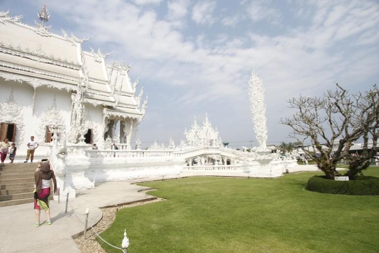 Wat Rong Khun main temple