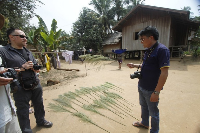 Broom making at Bane Huay Palam