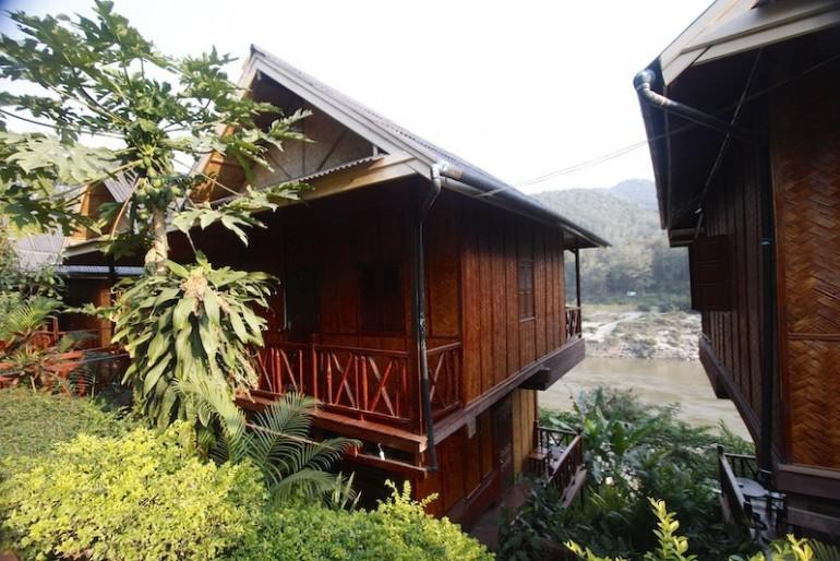 Mekong Riverside Lodge bungalows overlooking the Mekong