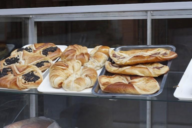 Pakbeng bakery products