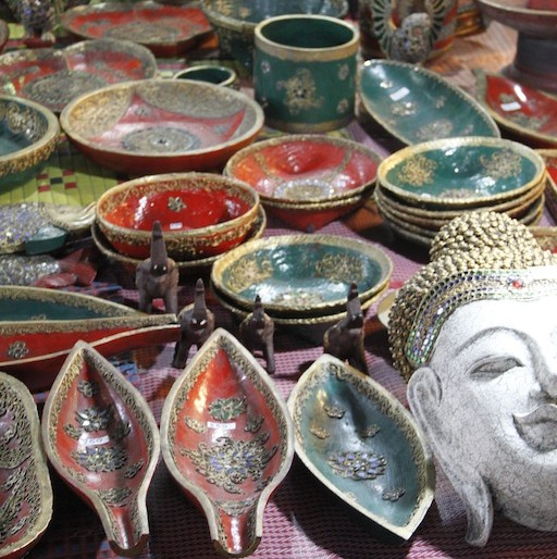Walai Road pottery and lackerware stall