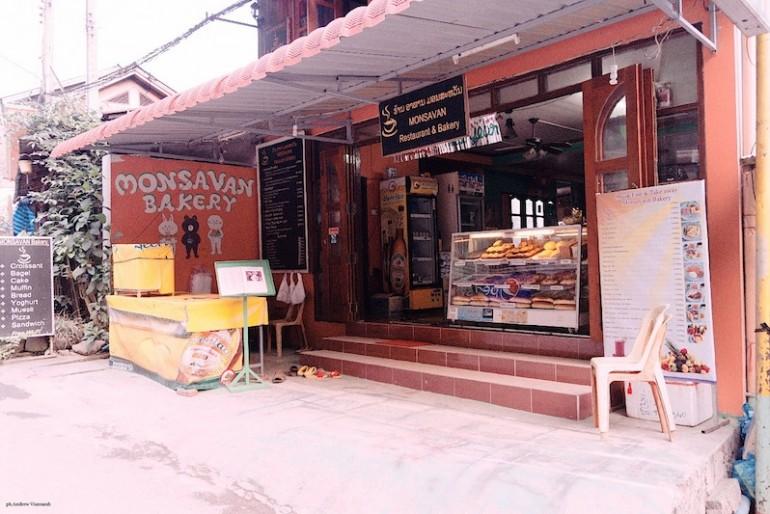 a bakery on Pakbeng main road