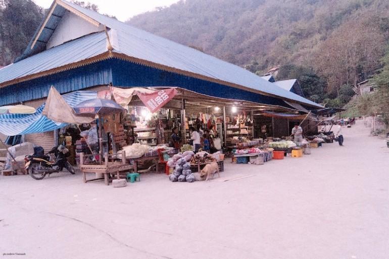 Pakbeng fresh market