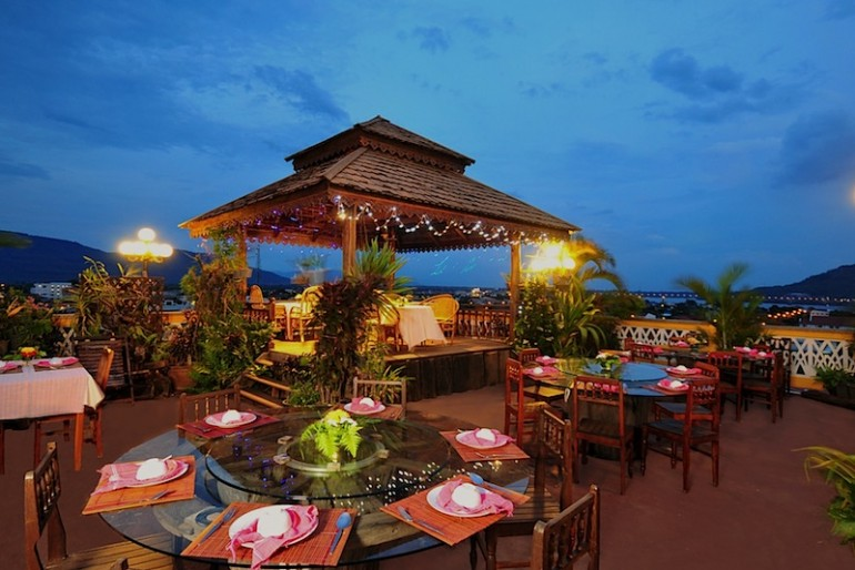 Pakse Hotel Le Panorama rooftop restaurant