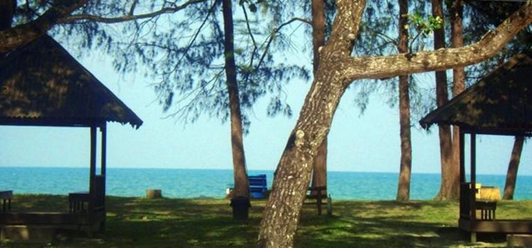 Le Village Beach Resort beach