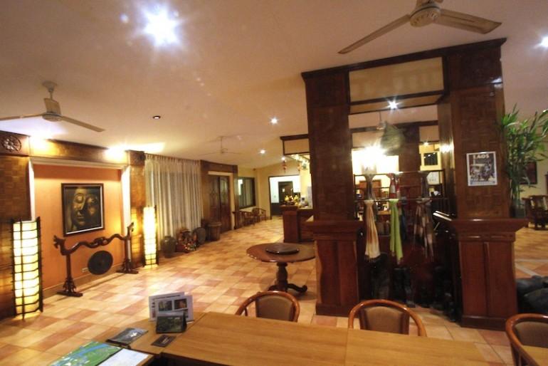 Pakse Hotel tour desk