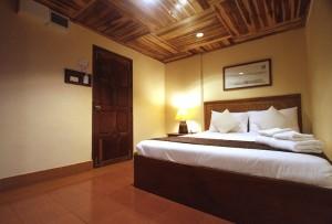 Pakse Hotel room