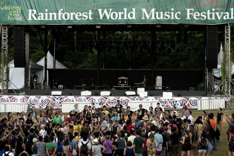 1drum.org and the crowd  at the Rainforest World Music Festival 2014