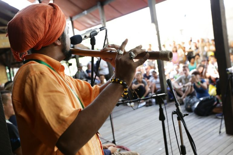 Amazing performance of Dya SIngh's flutist