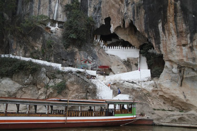 The landing at Pak Ou caves