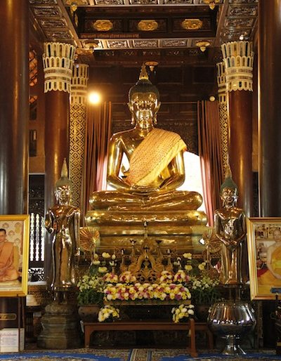 The main Buddha statue